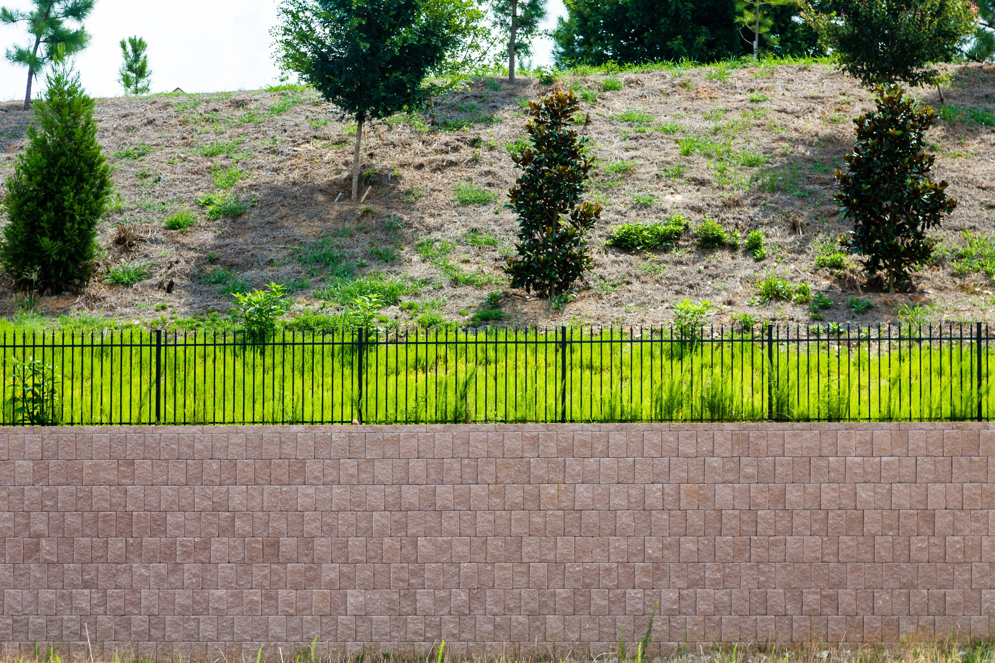 concrete-retaining-wall-improve-your-yard