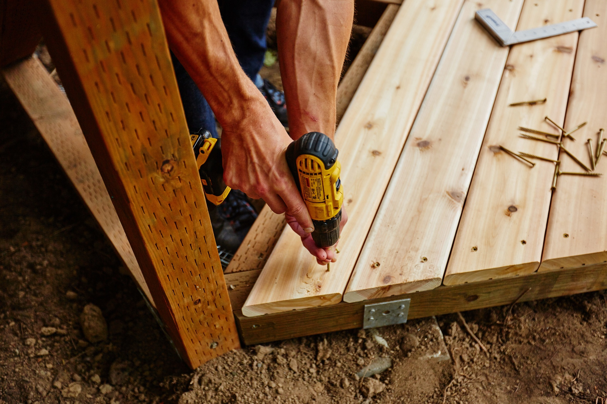 how to build a ground level deck that lasts