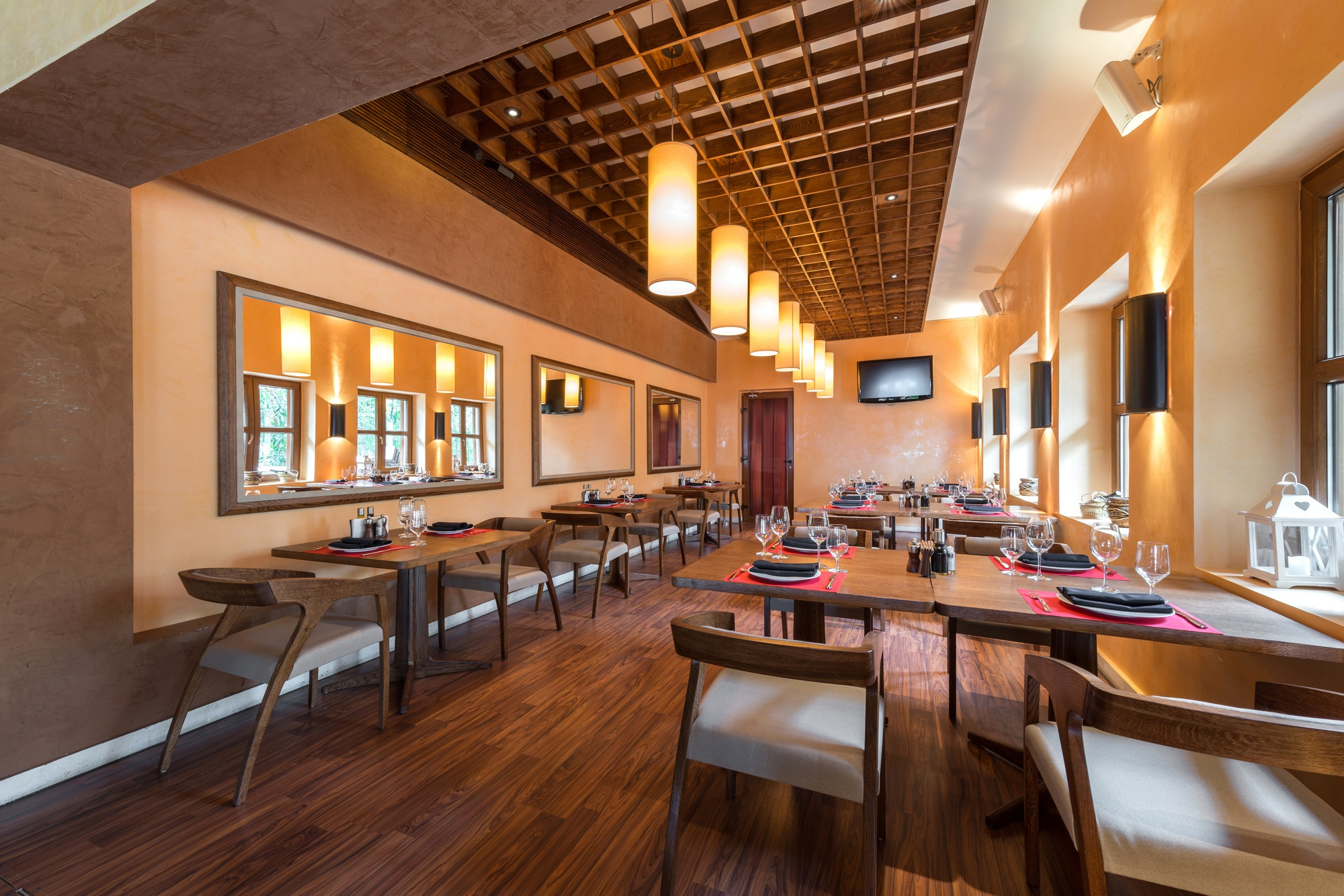Restaurant Layout-Restaurant Lighting